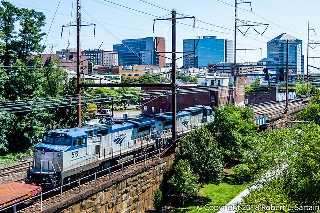 Amtrak 512 and 513, Nikon D40, AF-S DX Zoom-Nikkor 18-55mm f/3.5-5.6G ED II