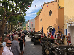Liberation day Parade in Neoules - Photo of Forcalqueiret