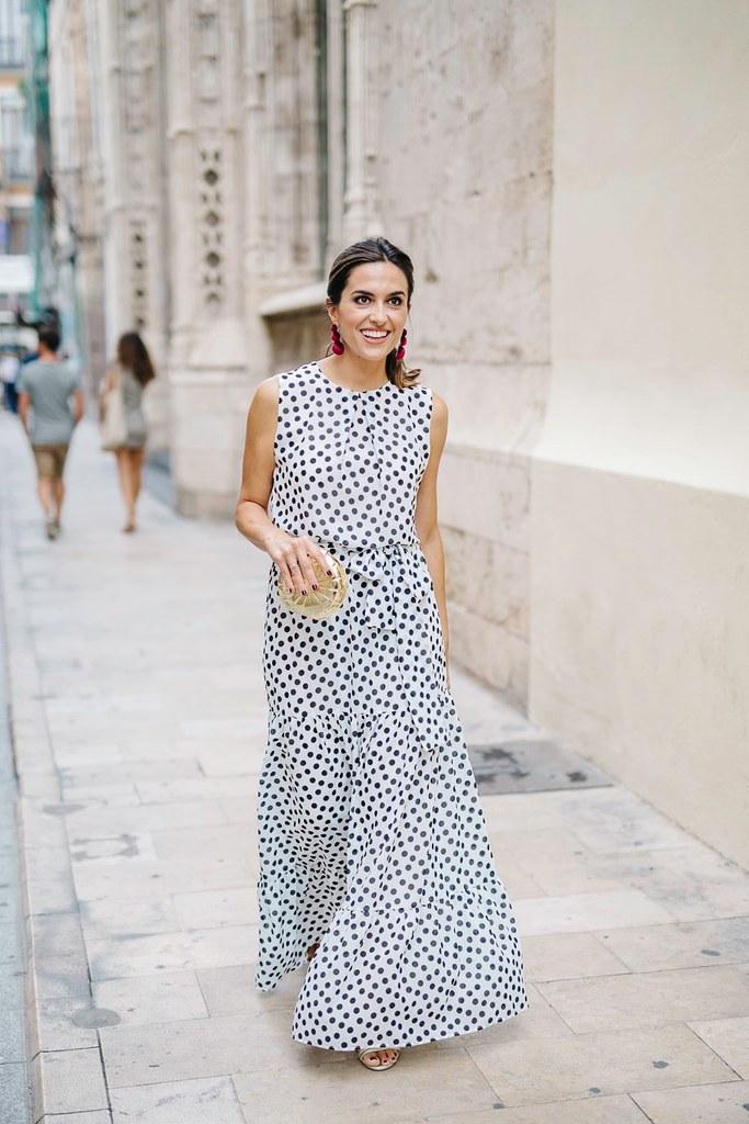 Look Invitada lunares_ Rojo Valentino Blog (1)