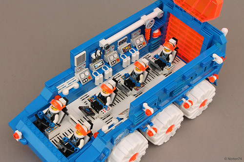 Ice Planet 2002 | Mobile Research Laboratory