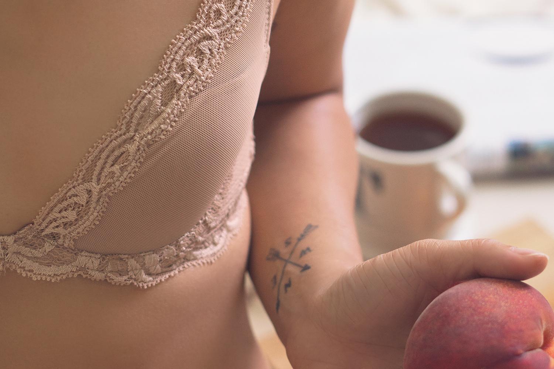 04natori-bra-lingerie-lifestyle