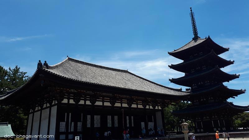 Vihara Kōfuku (Kōfuku-ji), salah satu Situs Warisan Dunia UNESCO.