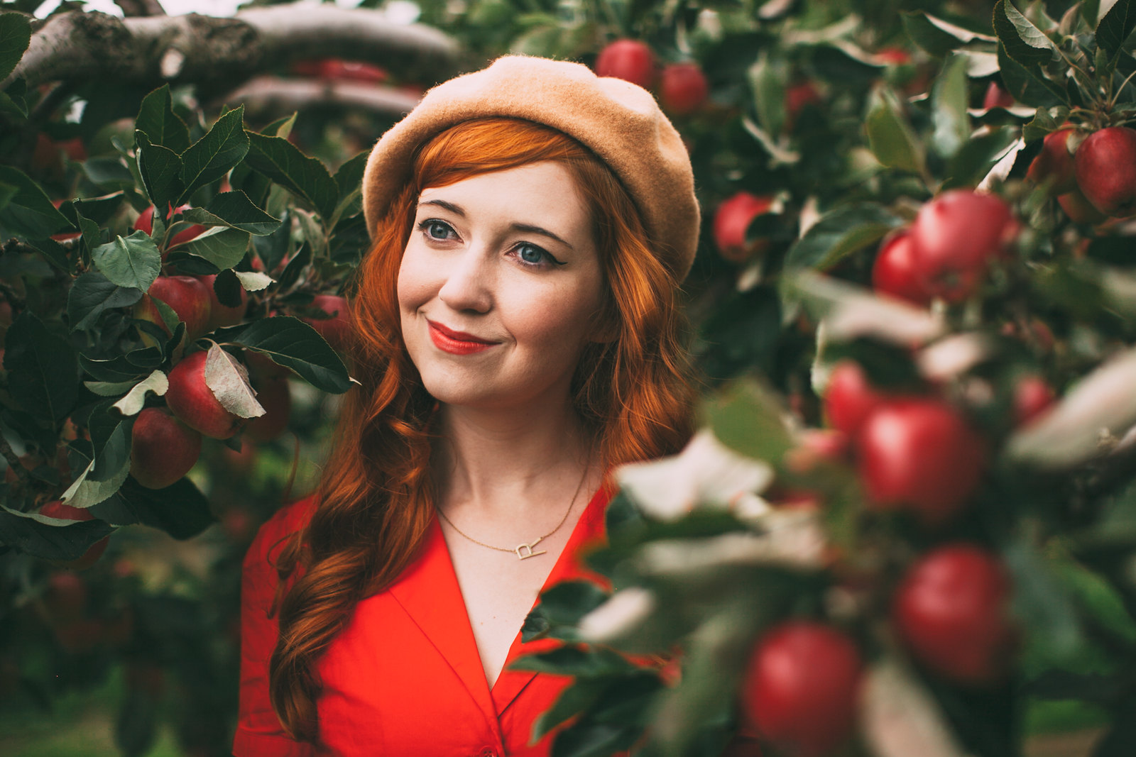 red apples-38
