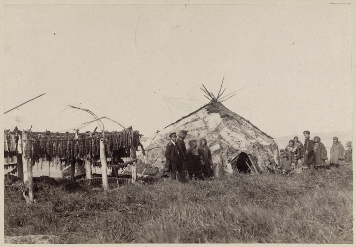 Чукотская юрта и вяление юколы