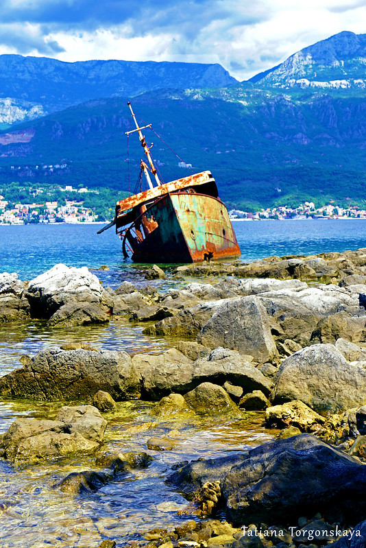 Корабль у берегов Росе
