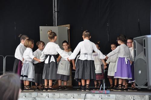 Elbarrenako jaiak 18- Bukalai dantza taldea