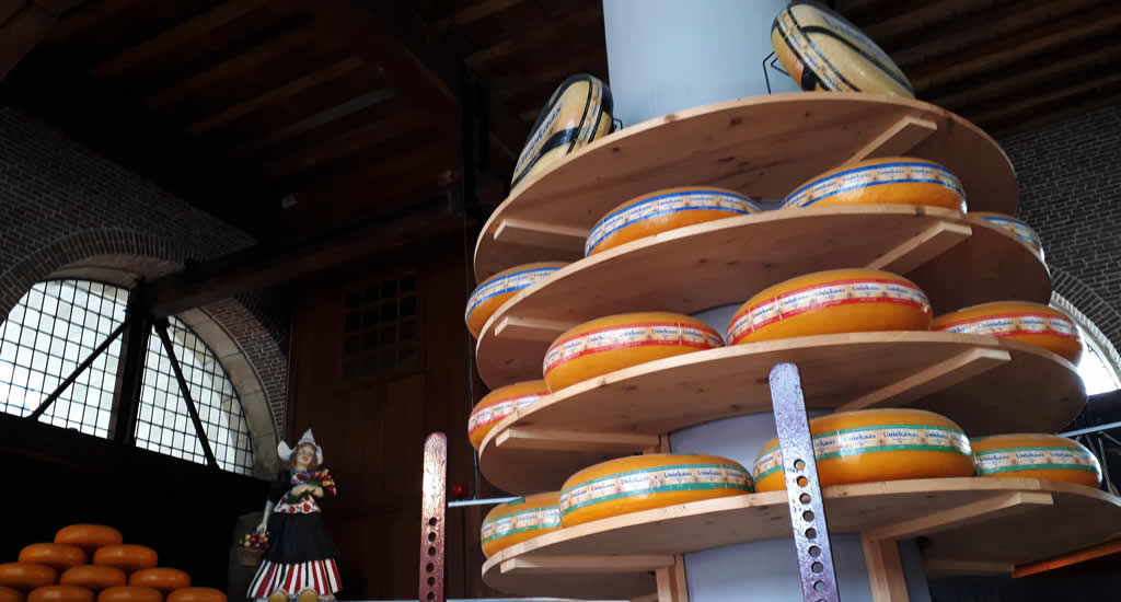 See and do in Gouda The Netherland, Cheese weighing house | Your Dutch Guide