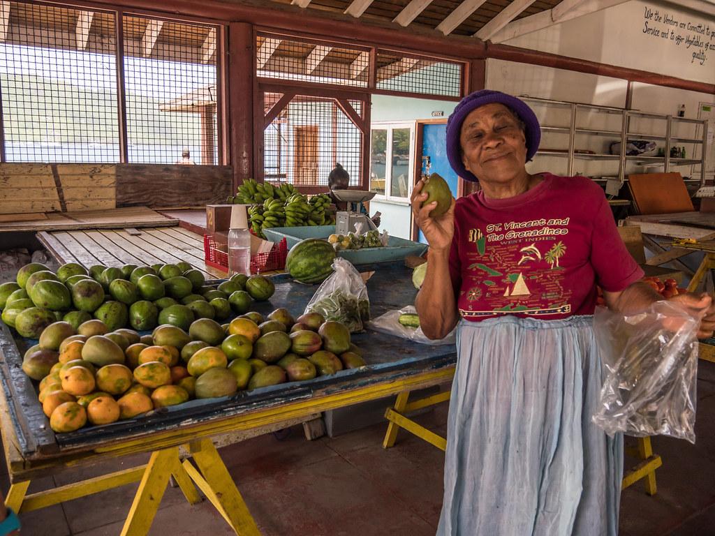 La marchande de mangues... 44224518351_20d6fbef7f_b