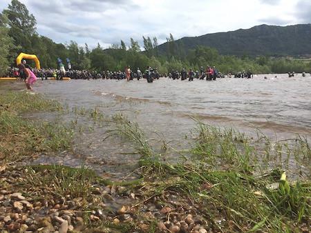 Triathlon-Salagou-2016-eau