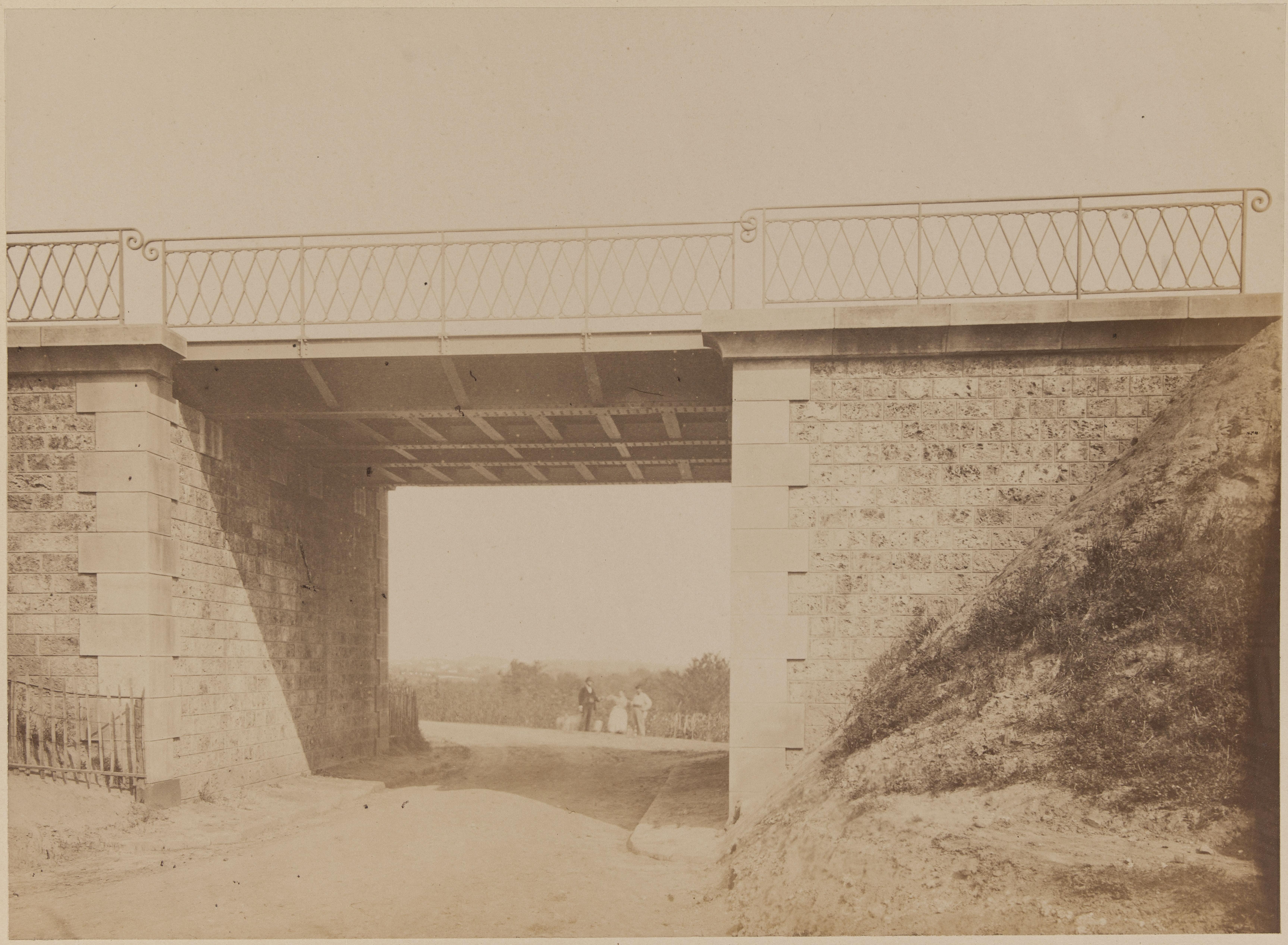 11. Нижний путепровод дороги на Вожирар