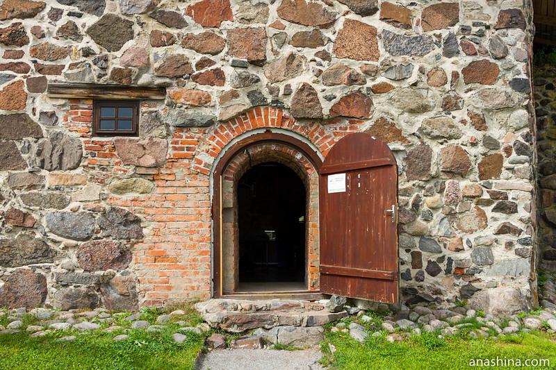 Дверь в Старый Арсенал, крепость Корела в Приозерске