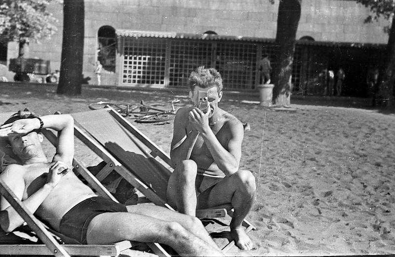 1960-е. Отдыхающие на Заячьем острове. Тридцать лет спустя