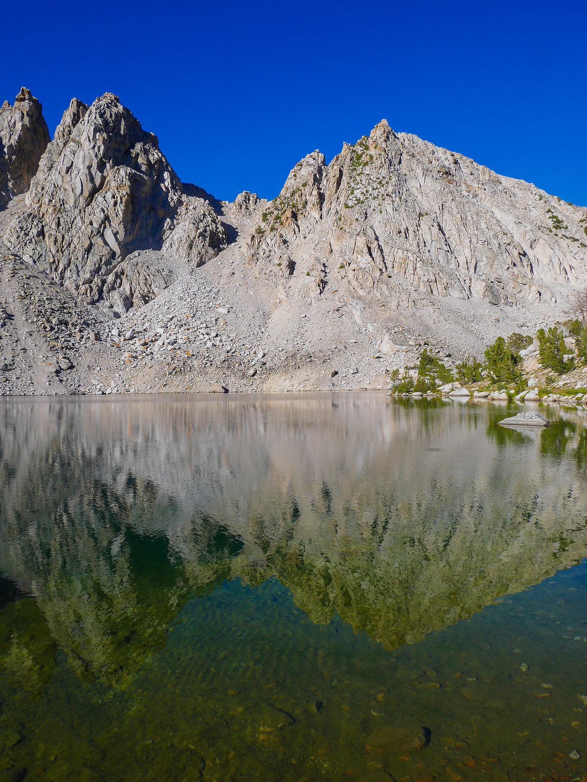 Morning reflections at Kearsarge Lakes