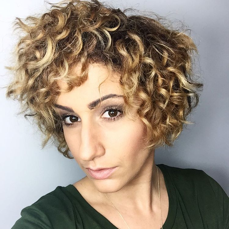 Best Haircuts For Curly Hair 2019 That Stand Out 11