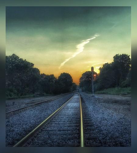 rural sunset dusk rails traintracks springfieldmissouri missouri