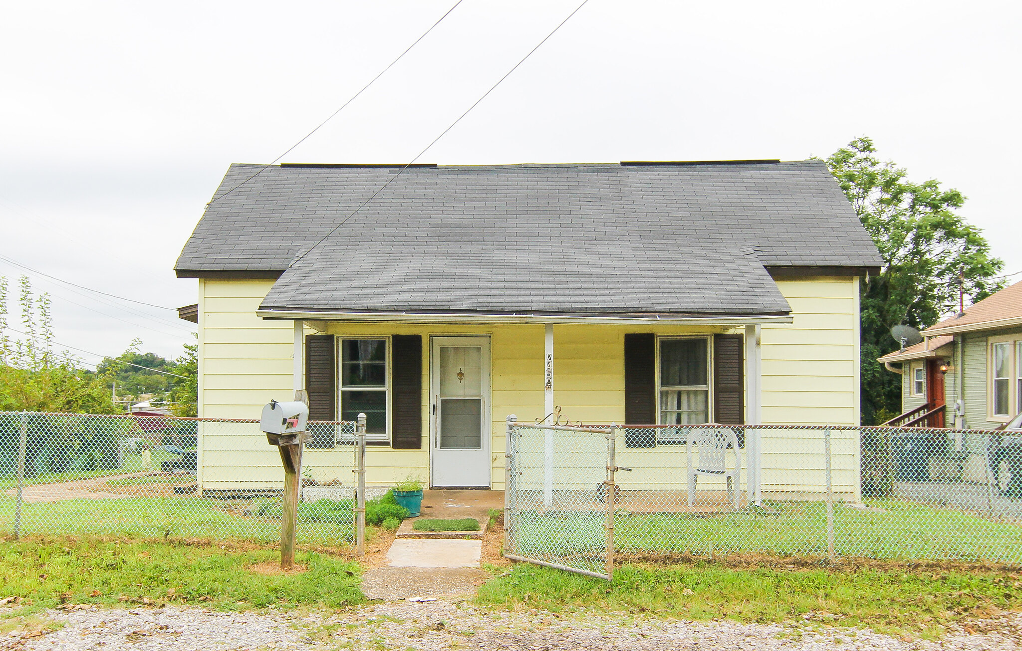 2450 Brown Ave, Knoxville, TN 37917