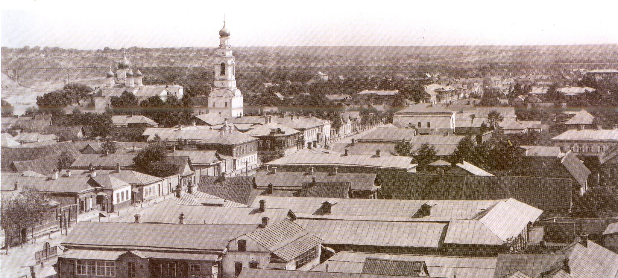 Вид с Воскресенского храма в сторону Черкасской улицы