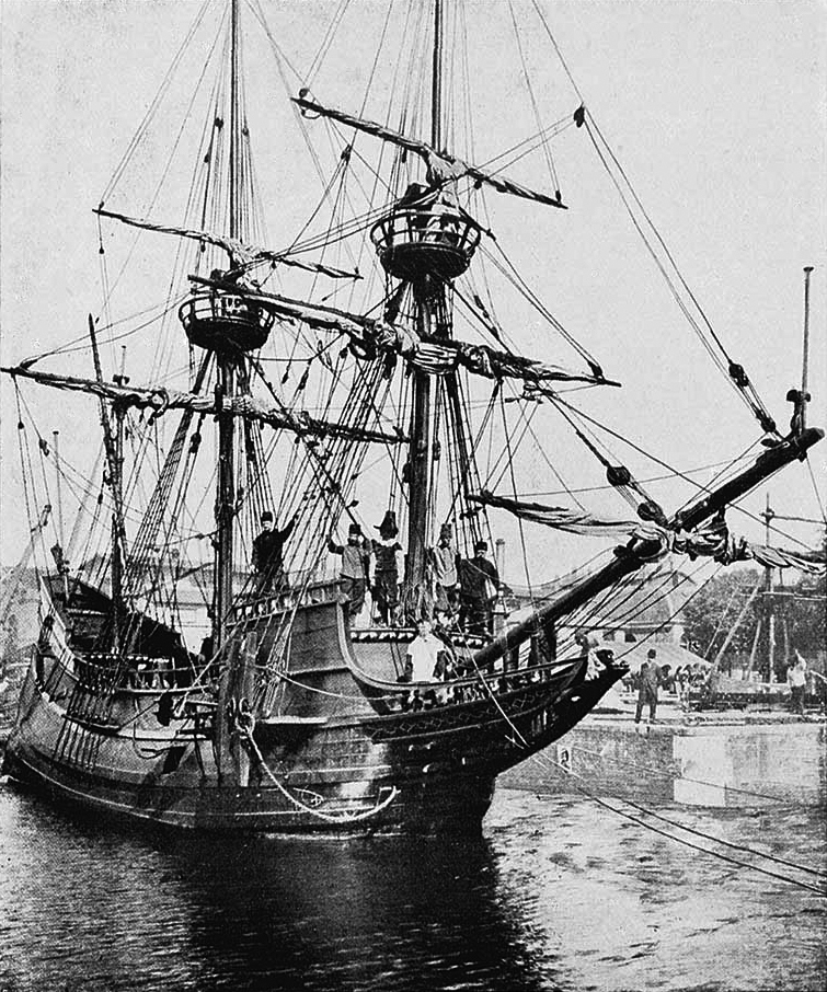 Replica of Henry Hudson's ship Halve Maen, donated in 1909 by the Dutch to the United States on the occasion of the 300-year anniversary of the discovery of what is now New York
