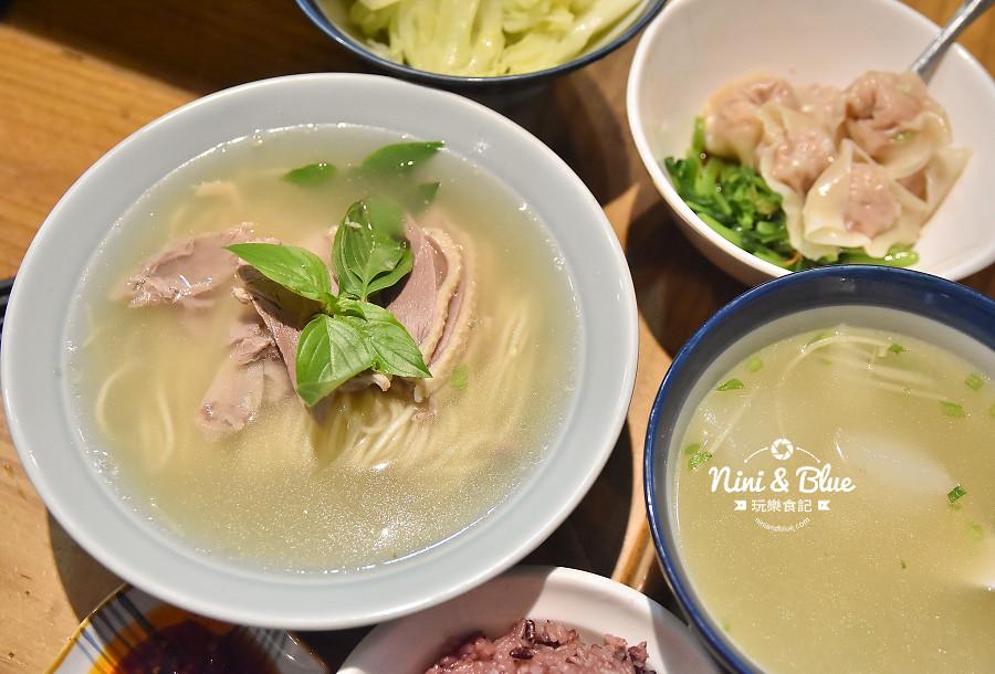 東沐食在 台中科博館 植物園 美食11
