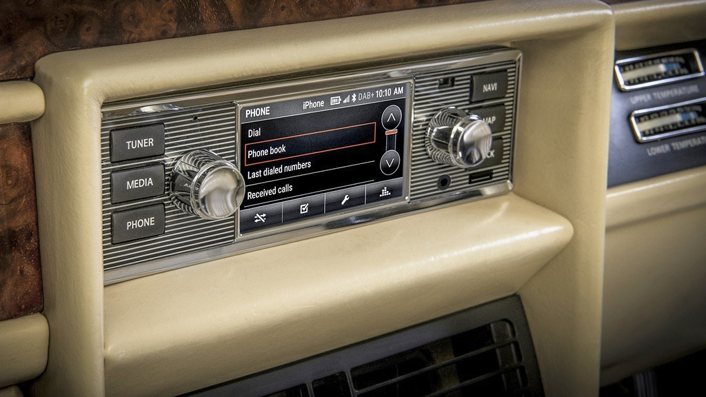 Jaguar Land Rover klasicno radio 3