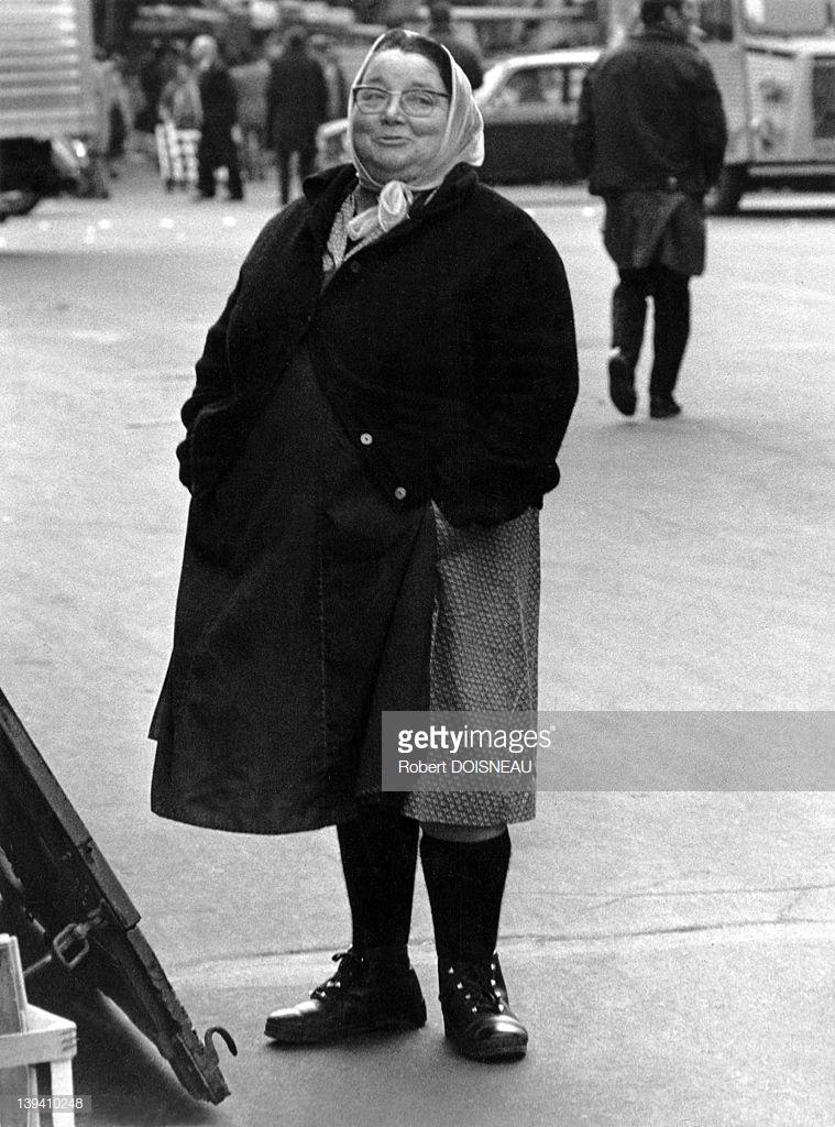 1967. Хозяйка ларька в ботинках «Патаугас». Ле-Аль