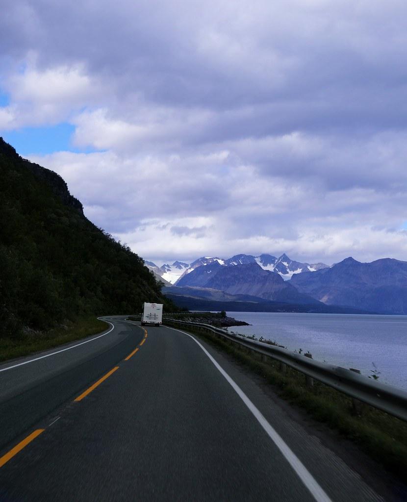 roadtrip pakettiautolla norjaan blogi