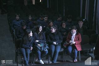 """Obra de Teatro """"Las Moscas Sobre el Río"""""""