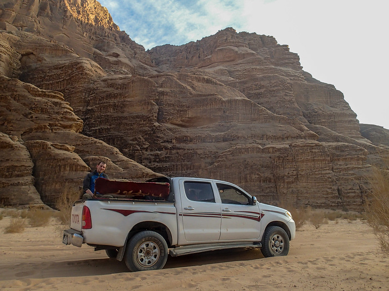 Mon, 2017-11-13 15:56 - Transport in Wadi Rum desert