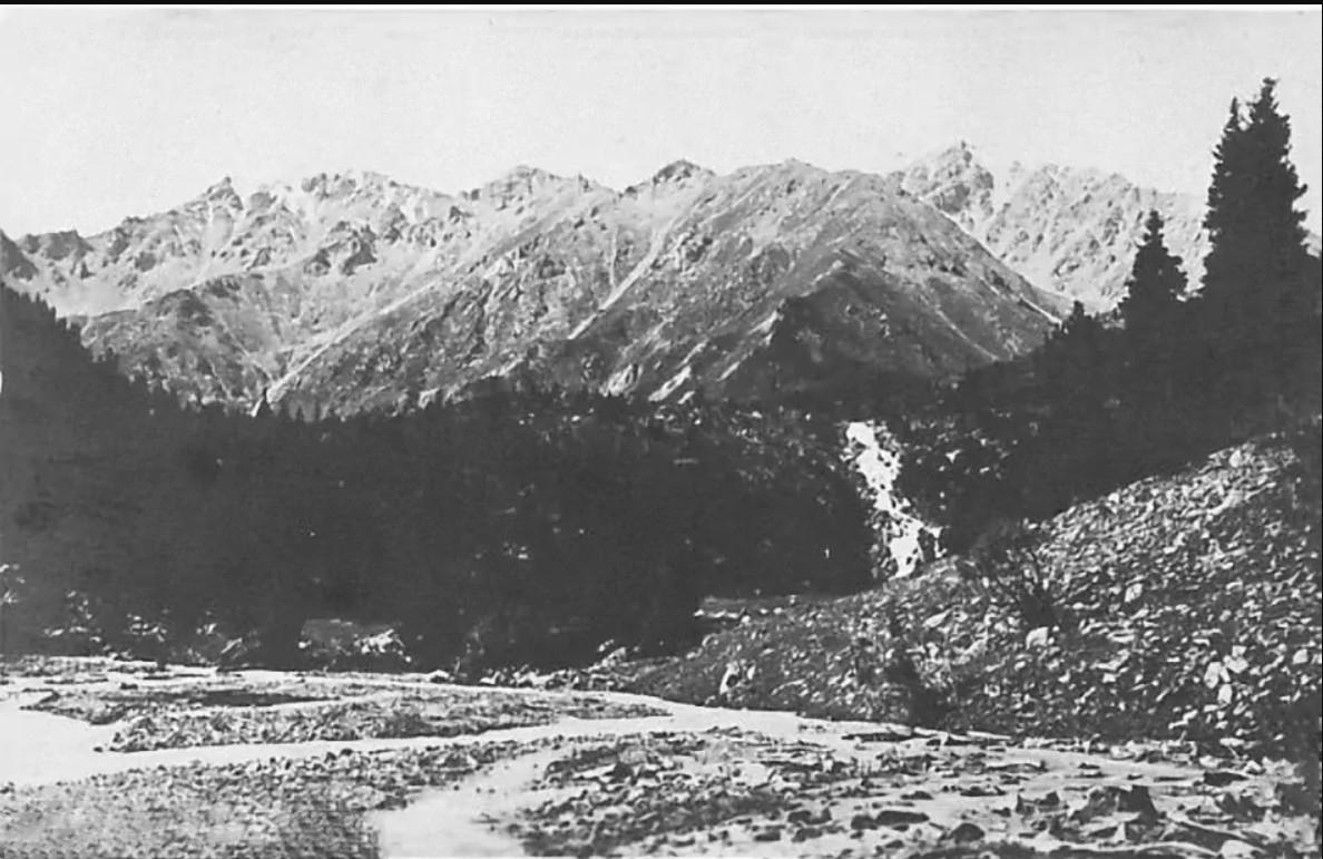 Вид в сторону большого Алматинского озера до постройки плотины
