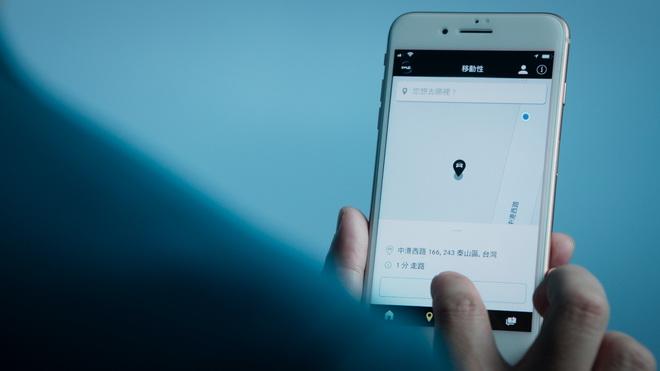 Mercedes me App除了提供基礎導航功能以外,會根據過去的行駛資料和習慣自動建議可能的目的地,只要輕鬆一按就能將目的地資料傳送至車輛