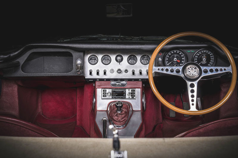 e0bf69df-jaguar-land-rover-classic-infotainment-system-1