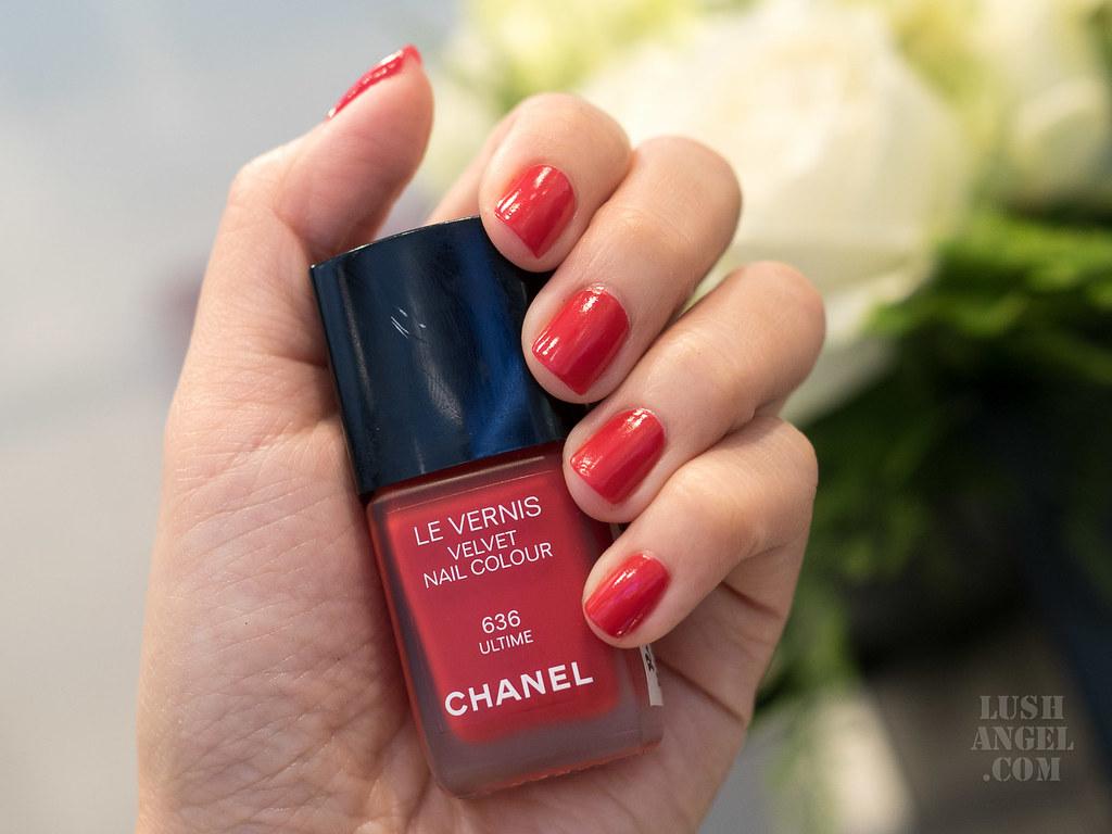 chanel-velvet-nail-color