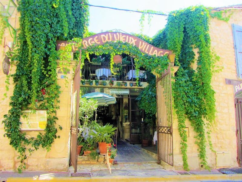auberge-du-vieux-village-restaurant-mallemort-provence-thecityandbeauty.wordpress.com-blog-lifestyle-IMG_1149 (3)