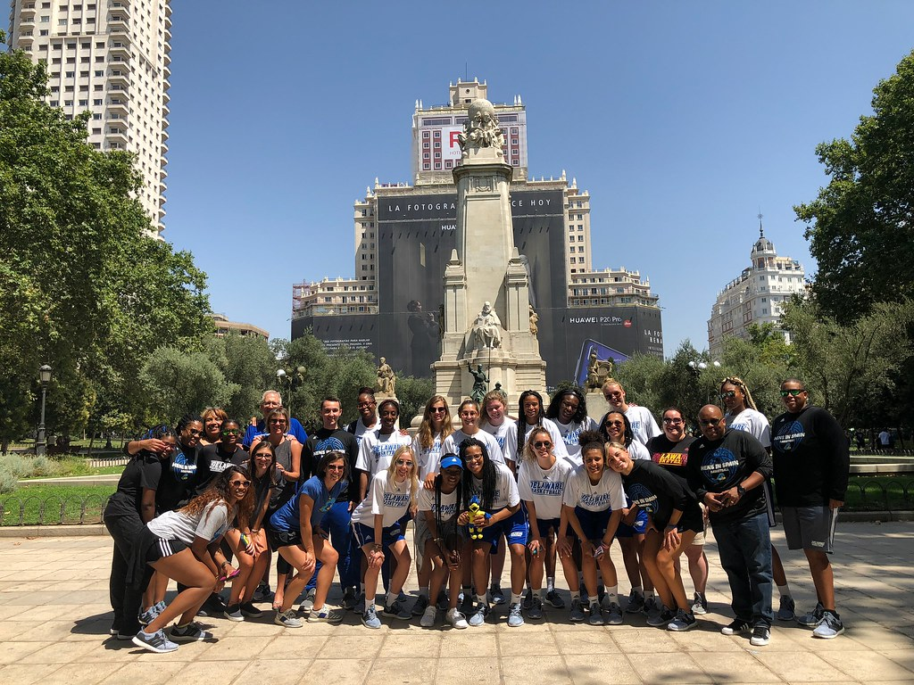 """A trip of a lifetime"": Women's basketball team brings its game to Spain"