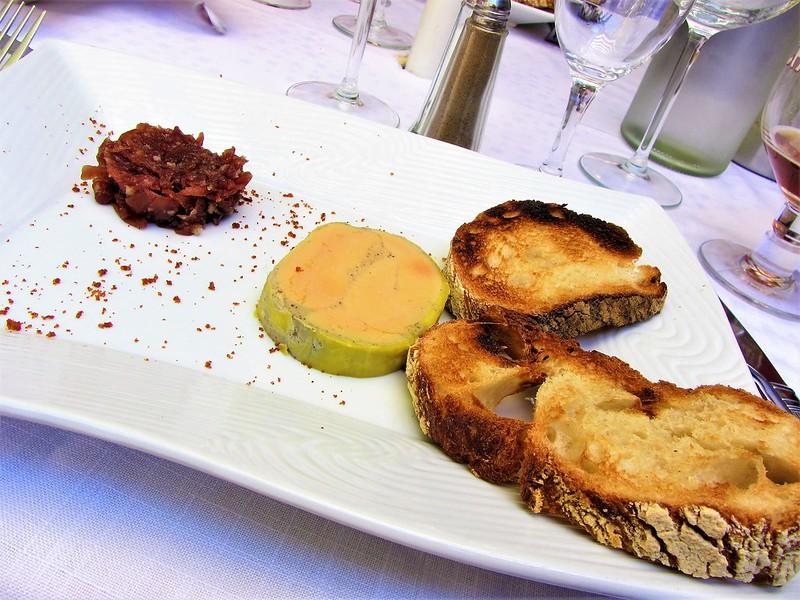 auberge-du-vieux-village-restaurant-mallemort-provence-foie-gras-thecityandbeauty.wordpress.com-blog-lifestyle-IMG_1159 (3)