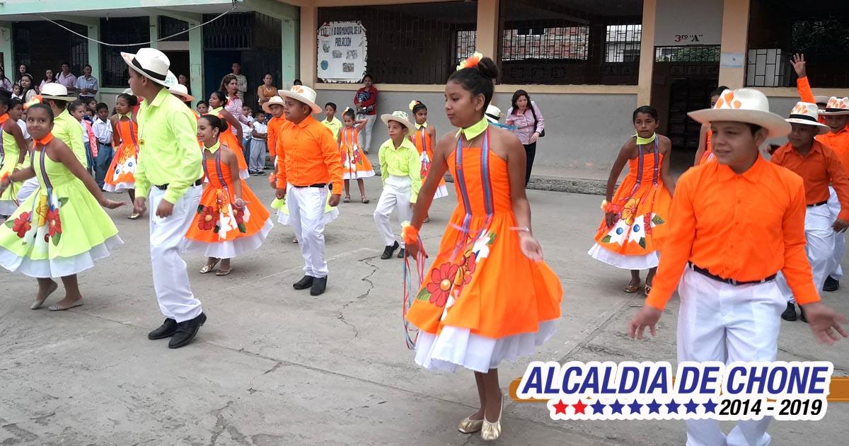 Espacio cívico recordó el Día Nacional de la Cultura