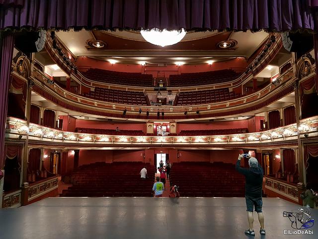 Visitamos en Teatro Principal de Vitoria y la destileria Basmoon (3)