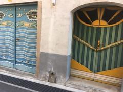 Jolly doors - Photo of L'Albère