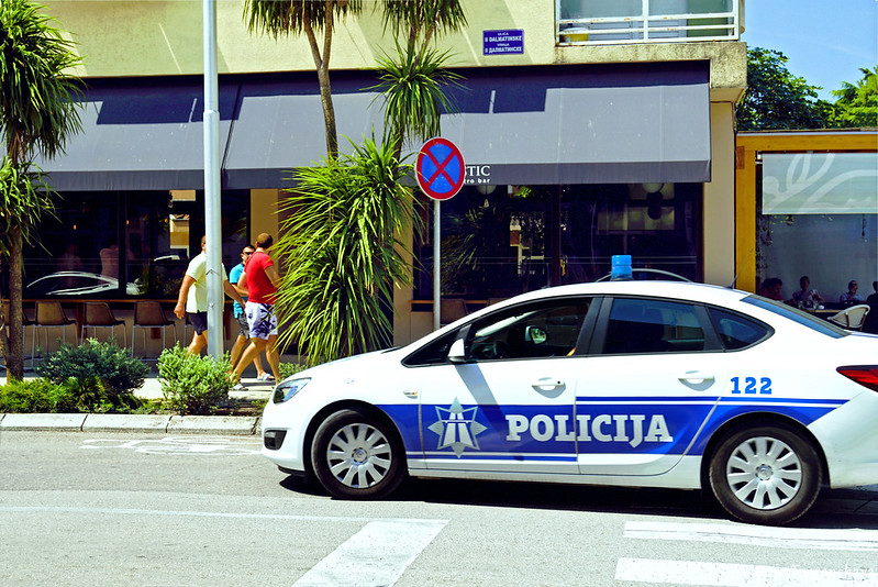Полицейская машина в Тивате