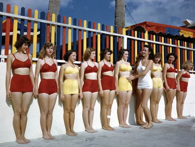 Everyday Life at Beaches in Florida during the 1950s (42)