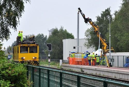 23 augustus 2018: De eerste officiële bovenleidingspaal-plaatsing voor de elektrificatie van de lijn 19 naar lijn 15 Hamont-Mol