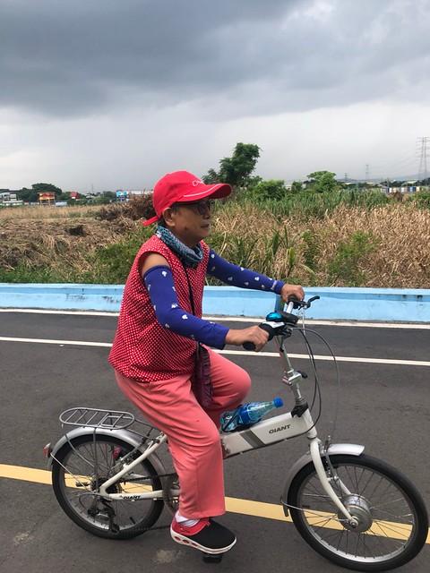 延平北路五段,關渡騎自行車 (9)
