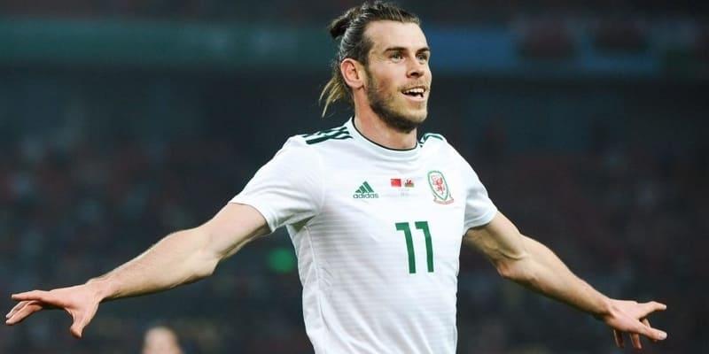 Bale menjadi kapten Wales untuk pertama kalinya