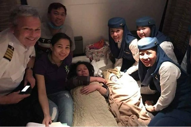 4660 Saudi Airlines staff and doctor safely delivers a child in a flight to Philippines 01