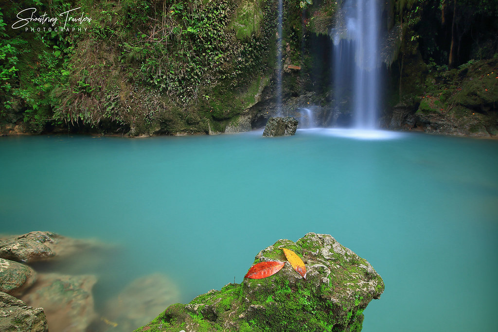 the waterfall at Batlag's right side and its turquoise catch basin