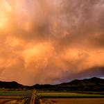 31. August 2018 - 18:38 - 帰宅途中、ふと空を見上げるとくっきりと副虹が出ていたので大急ぎで近くの撮影ポイントに行ったものの間に合わず。普通の虹が消えかかっているだけでした。