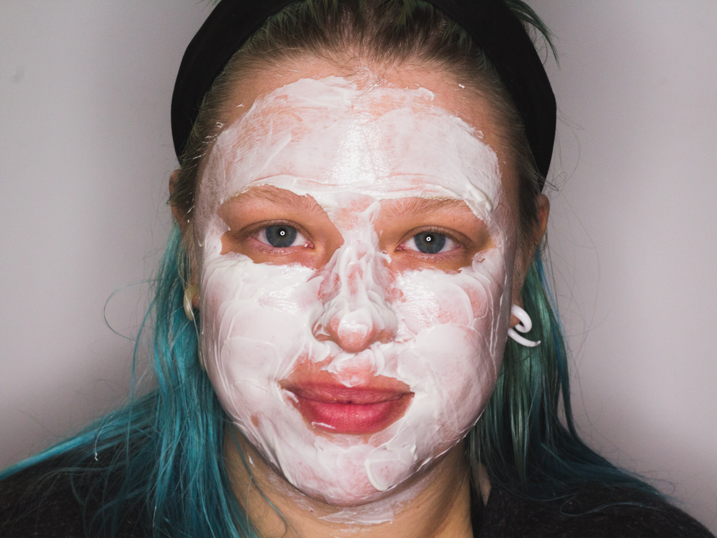 Het Honey Face Mask aangebracht