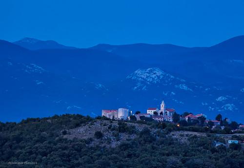 gradgrobnik sumrak primorskogoranska croatia landscape starine