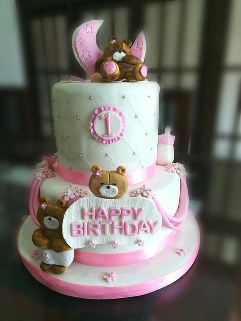 Teddy Love Cake by Manindra Karunarathne of eMKay