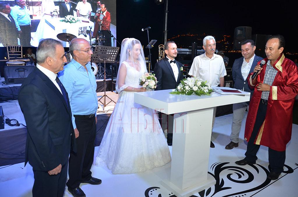 Pınar ve Fuat mutluluklarını evlilikle taçlandırdı